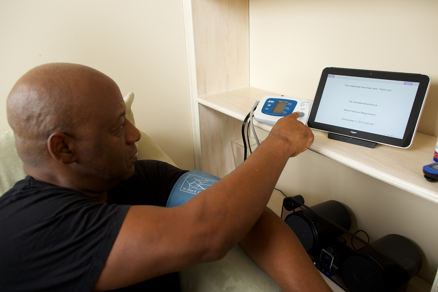 Telehomecare patient using telehomecare medical equipment
